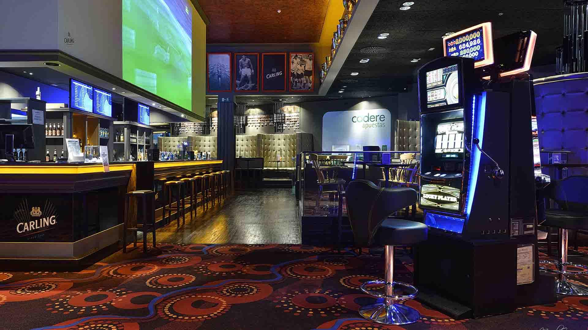 Pause play sal n de juego mini casino sala de - Mini bar de salon ...
